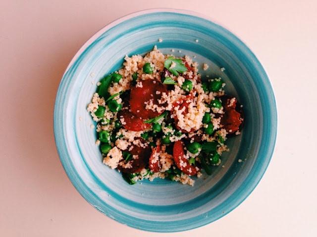 Salata cous cous cu mazare si chrozio