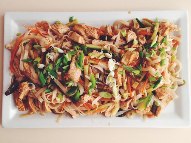 Salata vietnameza cu pui