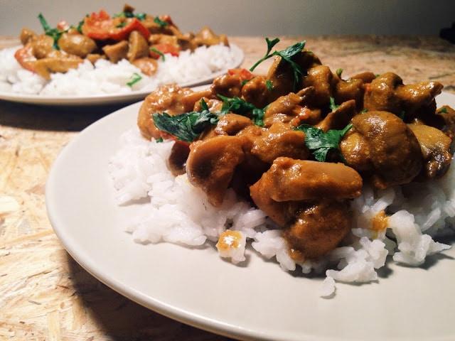 Curry cu ciuperci